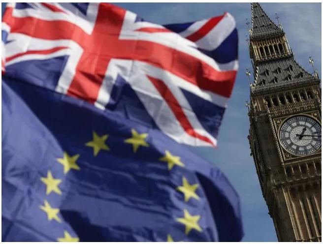 Retards, pénuries alimentaires et craintes en matière de sécurité cités alors que le Royaume-Uni se dirige vers un Brexit sans accord