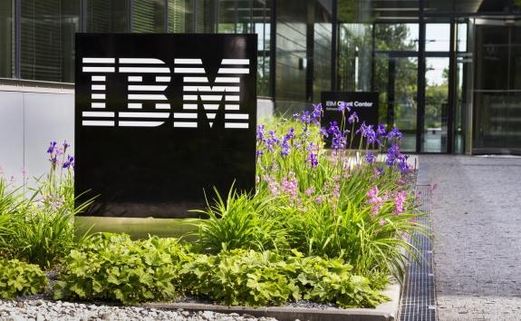 IBM enregistre la plus forte hausse de son chiffre d'affaires trimestriel depuis trois ans